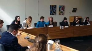 Wethouder Patrick Leunissen leidt het debat van MEP Limburg